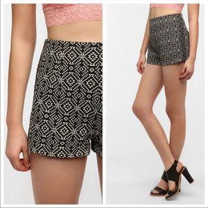 New Urban Outfitters Ecote Kirsi Hi Waist Shorts 8